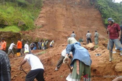 Waspada Seluruh Kecamatan di Sukabumi Rawan Bencana