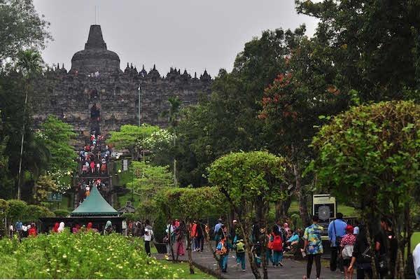 Satu Harapan Pengunjung Pertama Candi Borobudur 2018 Diarak