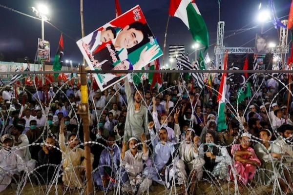 Demonstrasi Oposisi Pakistan Tuntut Perdana Menteri Imran Khan Mundur