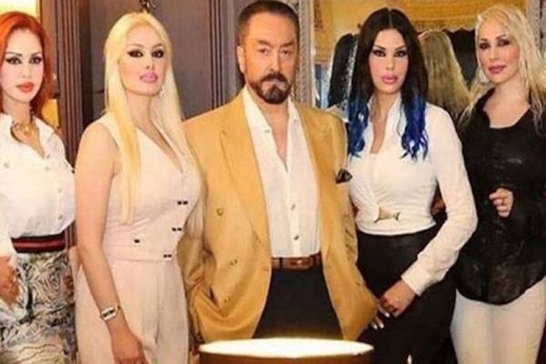 Pengadilan Turki Vonis Adnan Oktar Penjara 1.075 Tahun