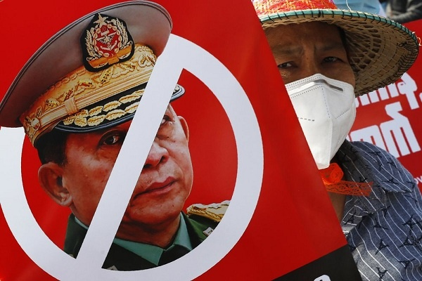 Aksi Protes Setelah 15 Hari Kudeta di Myanmar