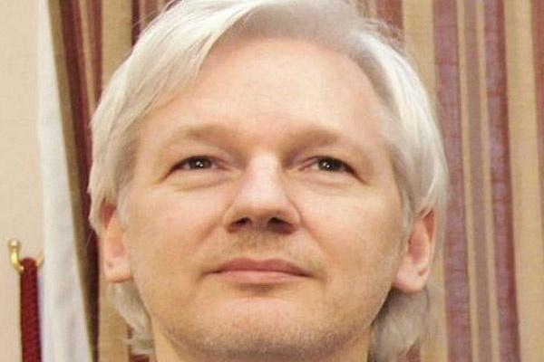 Satu Harapan: Julian Assange Diminta Jadi Model di London ...