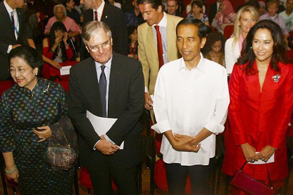 Jokowi dan Megawati Nonton Bareng Film Trashed