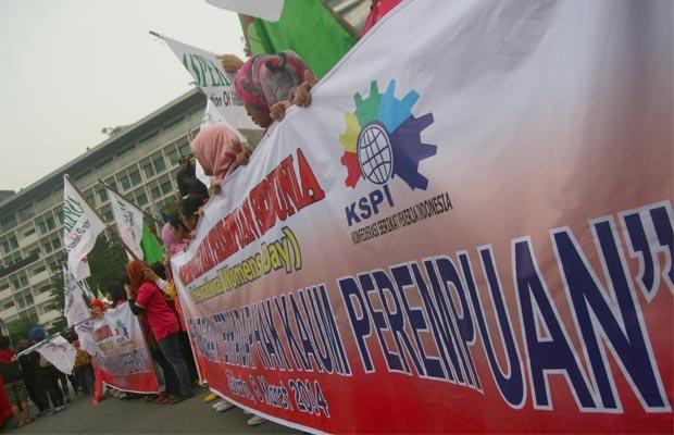 Peringati Hari Perempuan Dunia, Serikat Pekerja Perempuan Turun ke Jalan