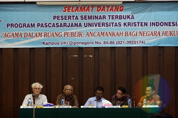 UKI Gelar Diskusi Agama dalam Ruang Publik: Ancaman Negara Hukum?