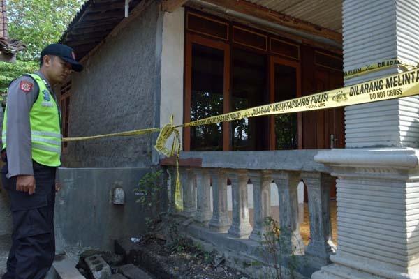 Teroris Gallery: Satu Harapan: Densus 88 Gerebek Rumah Terduga Teroris Di