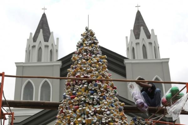 Pohon Natal di Gereja Tangerang Jadi Perbincangan Dunia
