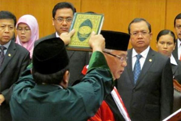 Akil Mochtar Resmi Ketua MK