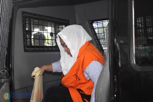 Pemeriksaan Perdana Bupati Klaten Pasca Penahanan