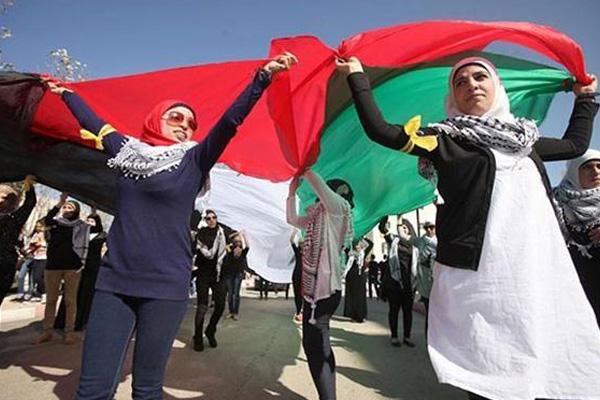 Ribuan Warga Palestina Mengenang Mendiang Yasser Arafat