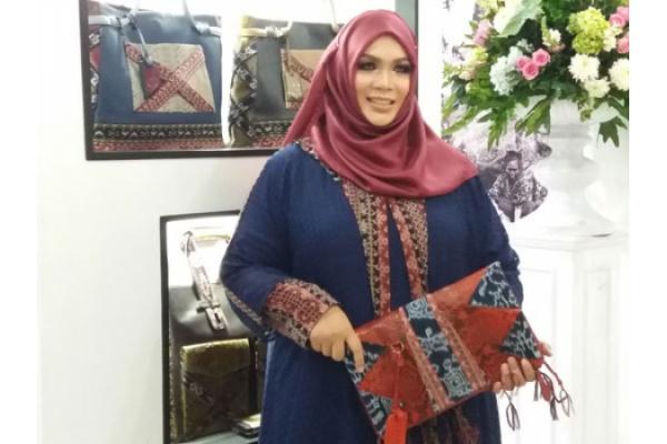Satu Harapan  Warnatasku Kenalkan Indonesia melalui Kain Daerah 9ae4a204f7