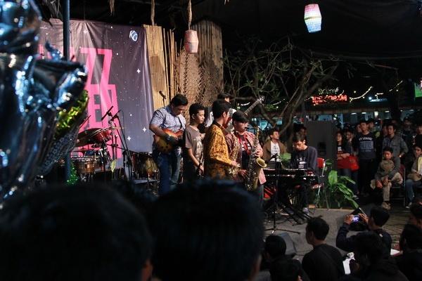 Jazz Mben Senen Rayakan Sewindu Berproses Bersama
