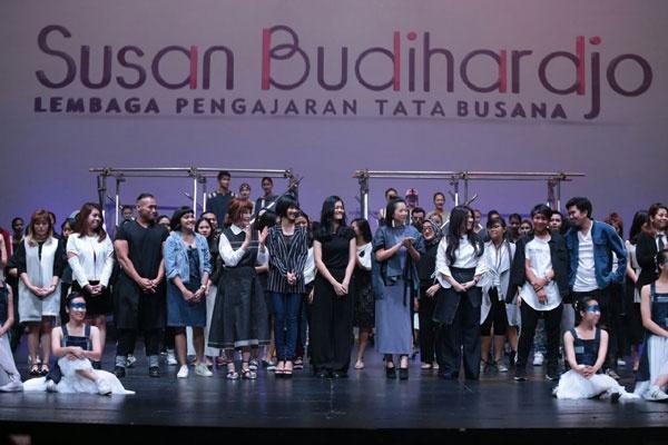 """Perancang Muda LPTB Susan Budihardjo Pergelarkan """"Balance"""""""