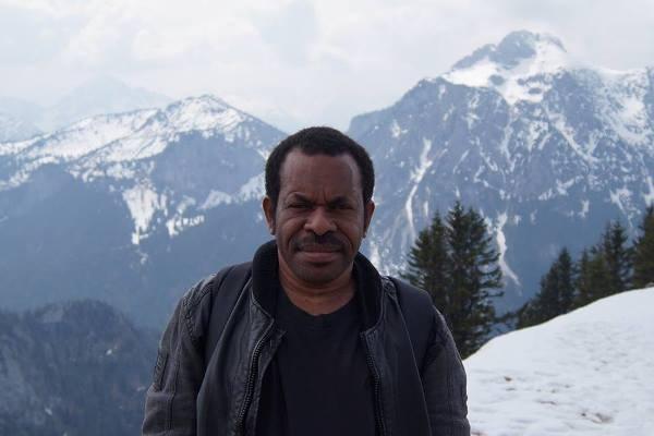 Antropolog Papua dan Dosen Universitas Cendrawasih, A. Ibahim Peyon. (Foto: dok pribadi)