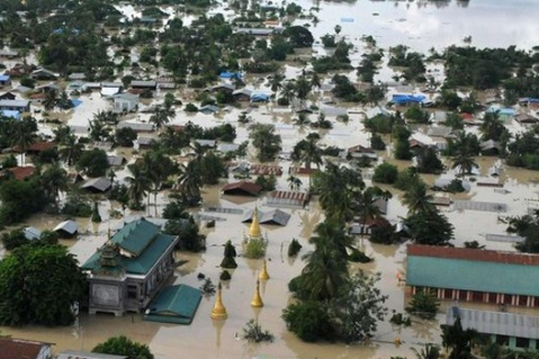 KEINDAHAN DUNIA: Sibuk Urus Banjir, Lurah Cantik Ini 8 ...