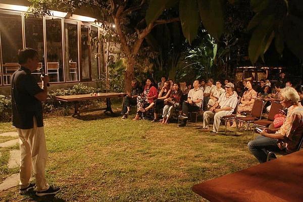 """Presentasi Karya """"From Beijing to Bali"""""""