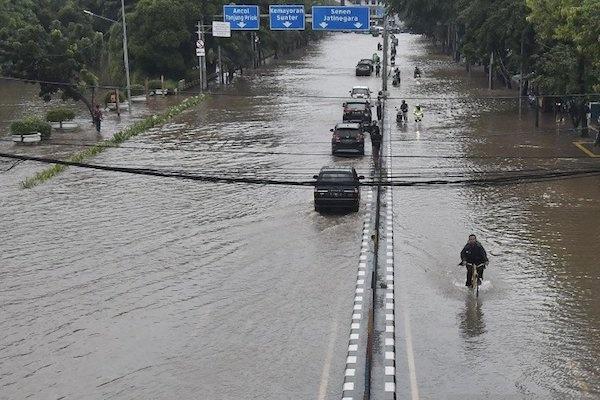 BNPB Gelar Pasukan Atasi Banjir
