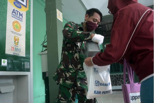 ATM Beras untuk Warga Depok
