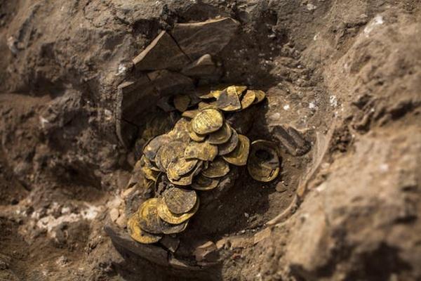 Arkeolog Israel Temukan Koin Emas Islam Zaman Abbasiyah