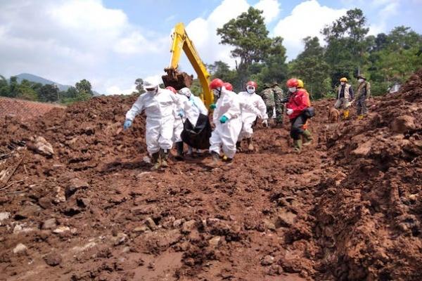 Longsor di Subang, 16 Meninggal, 23 Masih Hilang