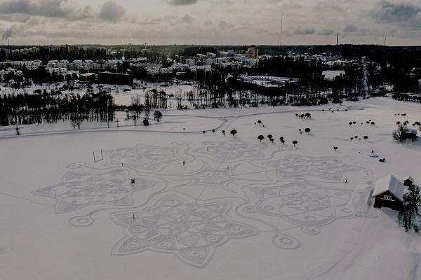 Karya Seni Berumur Pendek dari Jejak Kaki di Salju
