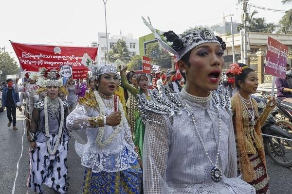 Aksi Protes Kudeta Militer di Myanmar